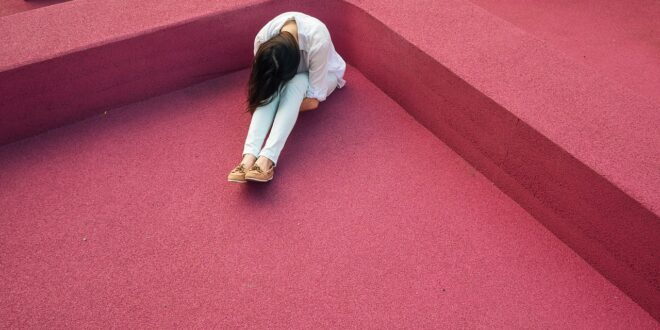 Clinical depression symptoms and treatment